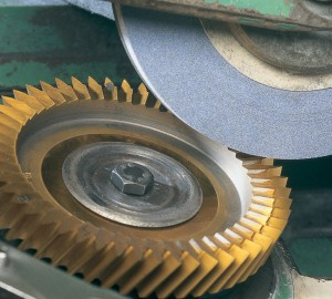 step-type-shaping-cutter